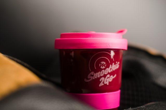 Produktmotiv Marke einfach machen Smoothie to go Becher aus Glas Detail